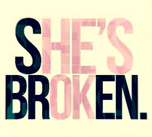 Elle est briser. Il est OK.♥