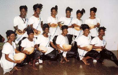 les 12 miss en tenue traditionnelle
