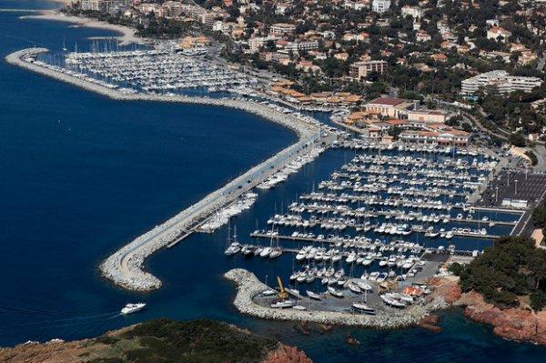 un port et une ville française !