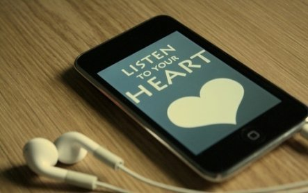 """.""""Parfois, t'écoutes une chanson tellement souvent qu'elle finit par devenir comme la bande originale de ta vie..."""""""