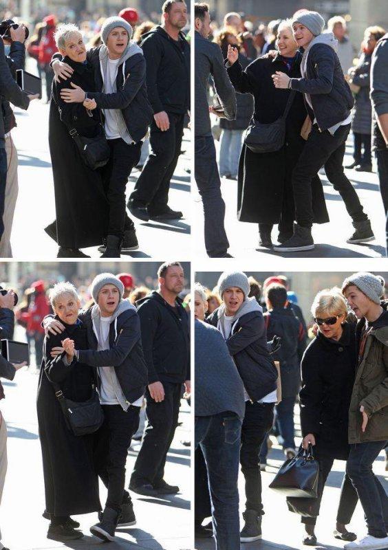Niall et Louis dansant avec des femmes a N-Y ♥