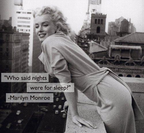 « Ce que je porte la nuit ? Mais ... N°5 de Chanel, bien sûr ! » - Marilyn Monroe   [Et une couverture d'angoisse...]