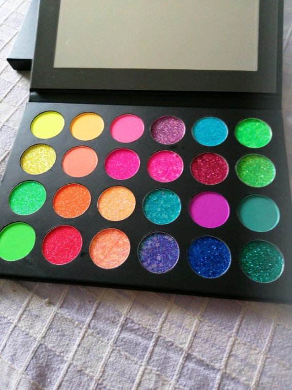 Makeup palette fluo