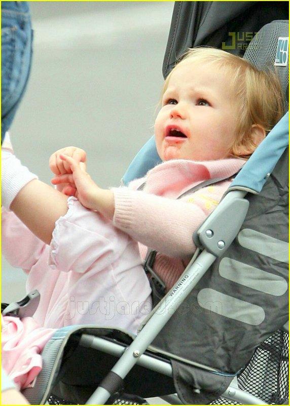 1er décembre 2010 Violet Anne Affleck fête ses 5 ans ! JOYEUX ANNIVERSAIRE =D