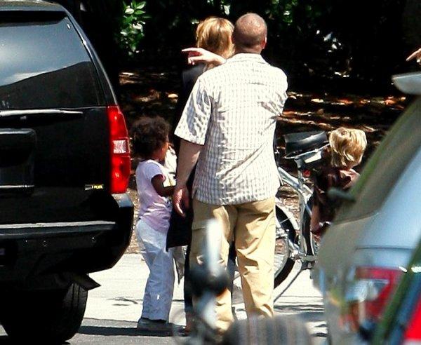 26 Juin 2010 Angelina a emmené Zahara et Shiloh à une fête à Culver City en Californie