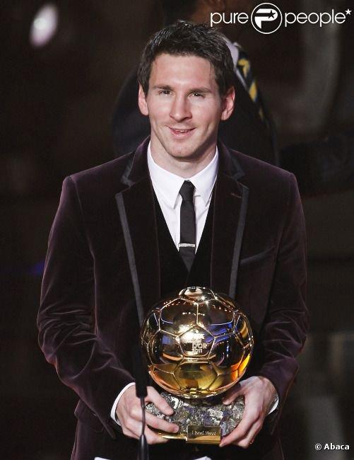 (2009-2010-2011) ليونيل ميسي أفضل لاعب في العالم للمرة الثالثة على الوالي