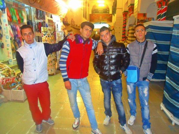 Moi...Achref....Didine...Soufiene ( Tunisie )