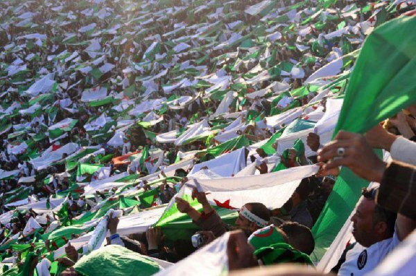 """** ستظل الجزائر صامدة وشامخة شموخ الأوراس وجرجرة والونشريس **ستظل الجزائر وطنا كبيرا يجمع كل الجزائريين من شمالها الى جنوبها ومن شرقها الى غربها ** ستظل الجزائر تعزف نشيدها الوطني مدى الدهر الى ان يرث الله الارض ومن عليها ** سنقف كلنا اكراما واعتزازا بتاريخنا وثورتنا وانتصارتنا وحريتنا وشهدائنا الامجاد ** وننشد معا لنسمع العالم صوتنا """""""" وعقدنا العزم ان تحيا الجزائر...فاشهدوا..فاشهدوا..فاشهدوا...."""""""""""