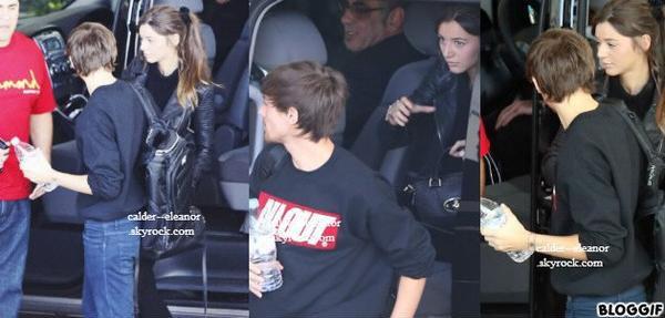 le 30 octobre 2013 - eleanor et louis ont été vu arrivant à la salle de concert à Melbourne