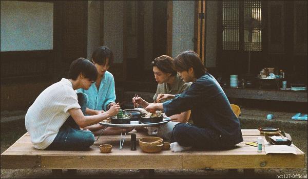 """.08/07/21. La chaîne YouTube """"NCT"""" a postée de nouvelles vidéos Lors de nouvels épisodes de """"Master MOON Chef"""", Taiel a cuisiné pour Johnny, Yuta et Jungwoo"""