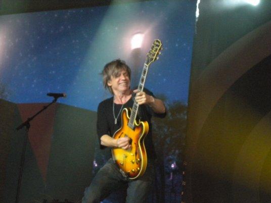 Enfoirés 2011 Jean Louis Aubert !! il déchire tout !!!!!!!!!!!