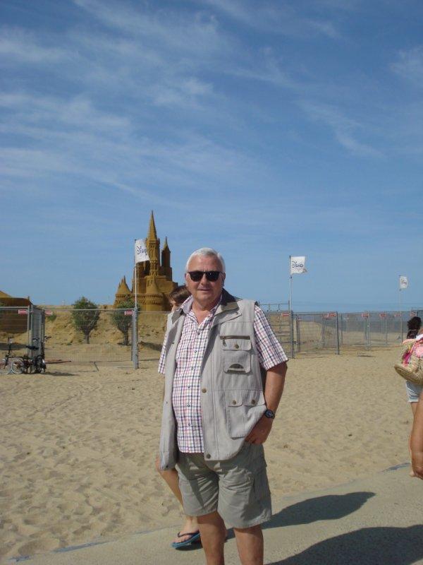 A la plage  en Bretagne en juin cette année   et encore aujourd'hui  une journée de printemps   le 2 novembre