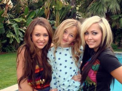 Miley et ses deux soeurs