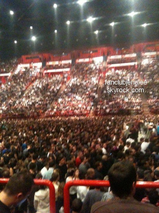 . News : Concert à Bercy de Jena Lee . Eh ben, y'en avait du monde hein ? Pire qu'un concert de Justin Bieber ! .