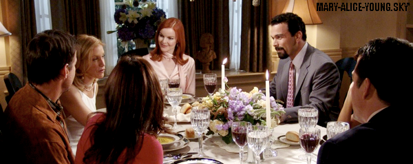"1.03 - ""Pretty Little Picture""""Le dîner"""