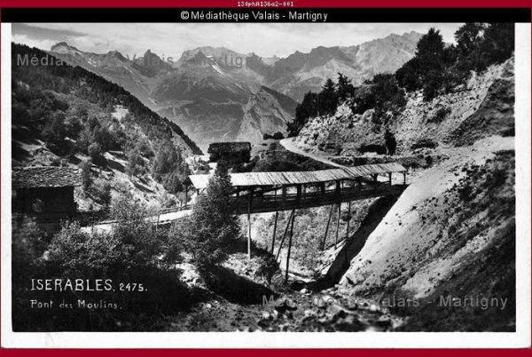 Ancien pont des moulins reliant Isérables au hameau de Auddes sur la commune