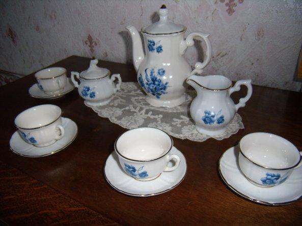 Service à thé à fleurs bleues