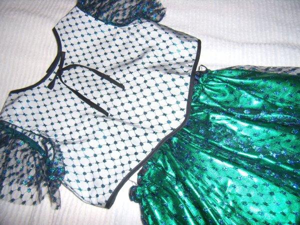 Pour les fêtes,2 robes de princesse à vendre