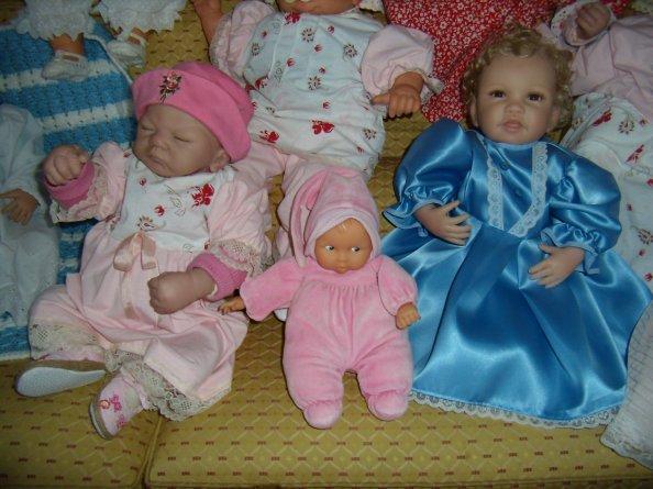 Robes rose et bleue vendues