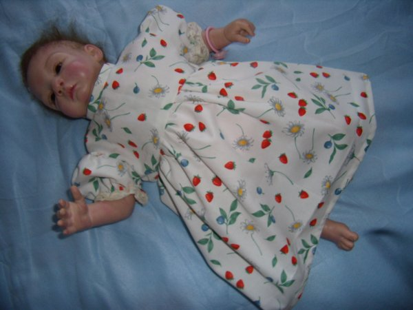 Robe à fraises pour reborn de 50cm