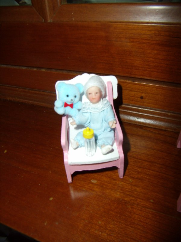 Mini poupée de 7 cm