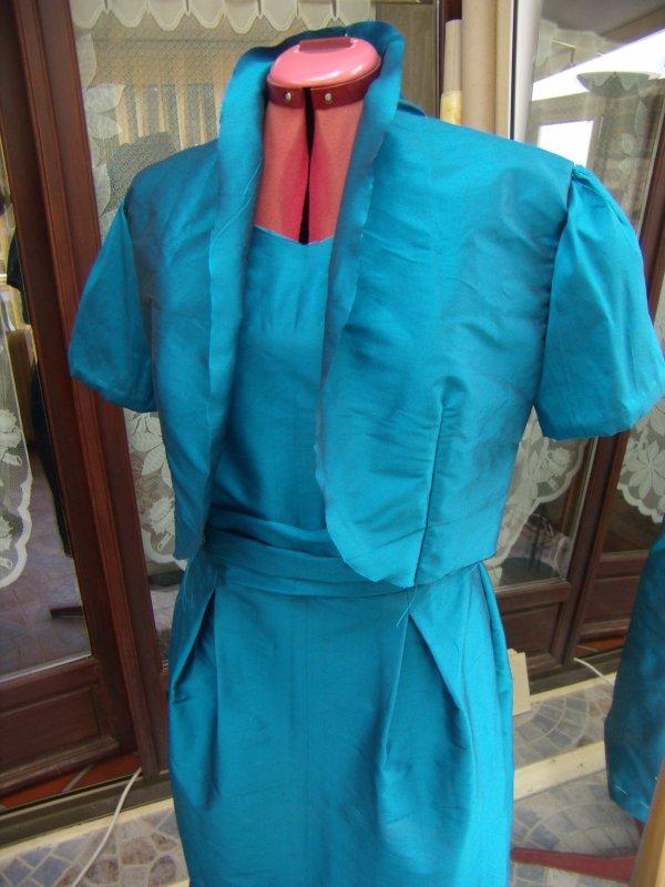 Robe en cours de confection avec boléro assorti