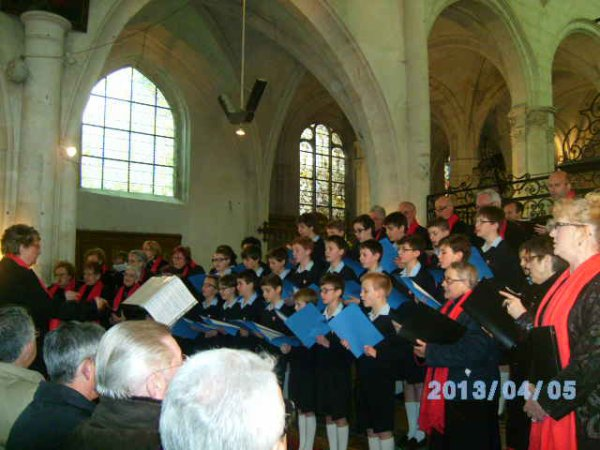 Concert avec les Petits Chanteurs à la Croix de Bois le 6 Avril