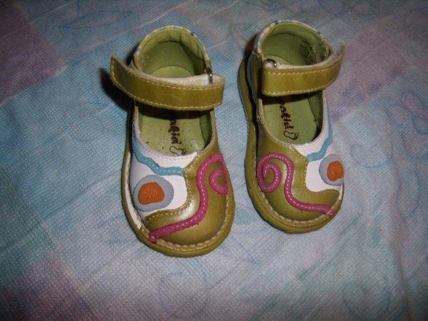 Chaussures et habits à vendre