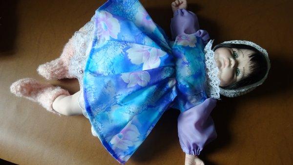 Bébé en porcelaine de 50 cm en vente 20¤