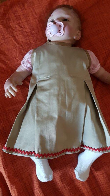 Olivia présente de nouvelles robes