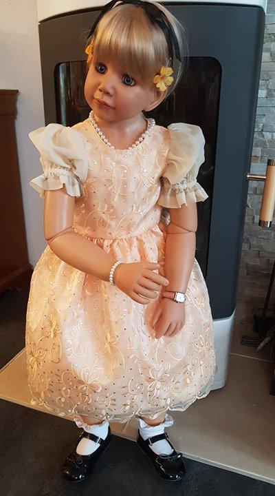 Nouvelles robes pour les grandes filles