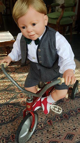 Peter et son tricycle