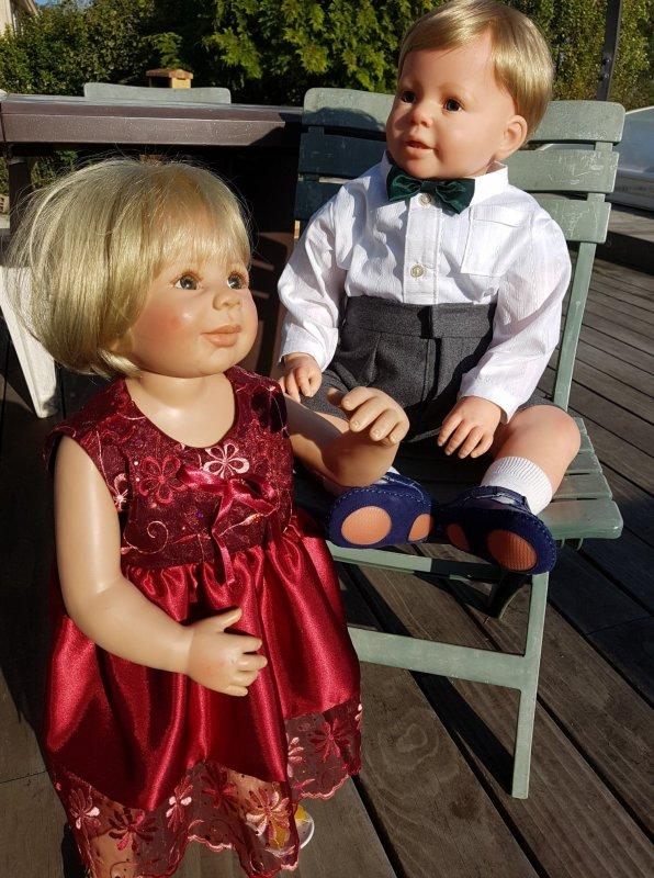 Lesley et Peter en tenues cousues par moi.