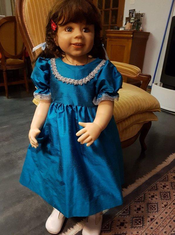 Verena a une nouvelle robe