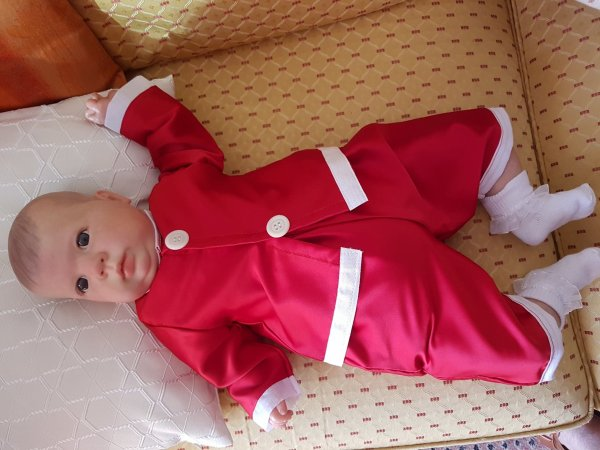 Lola-Rose en habits de Noël