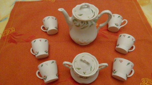 A vendre services à thé et couverts