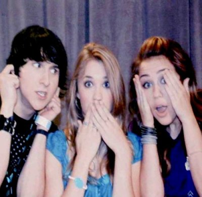 Miley Cyrus, Mitchel Musso et Emily Osment.