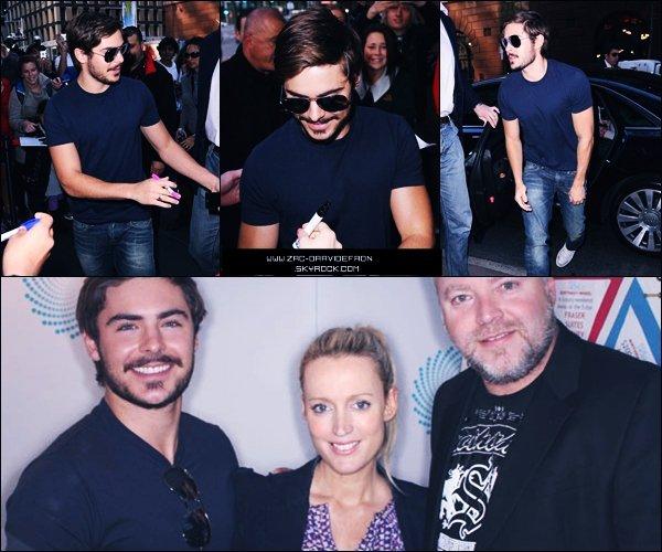 . 20 Septembre 2010 :Toujours en pleine promotion Australienne, Zac Efron a été vu arrivant aux studios Channel 7 dans Martin Place pour une apparence dans Sunrise à Sydney aujourd'hui (20 septembre). Vous pouvez retrouver la vidéo en cliquant ici. Il était également invité chez Kyle and Jackie O, comme à chaque passage en Australie..