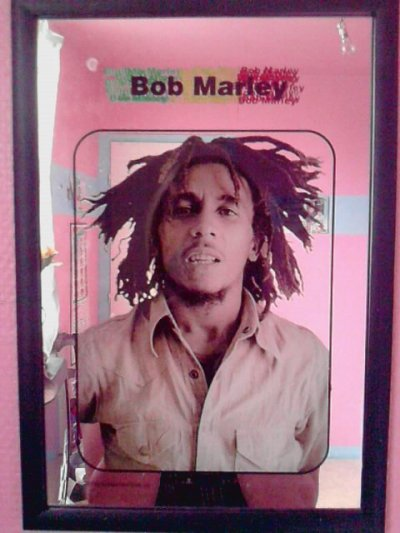"Bob Marley "" Peace And Love "" <3"