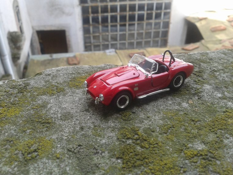 AC Cobra rouge  Shelby Collectibles