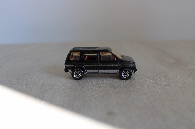 matchbox dodge caravan 1984