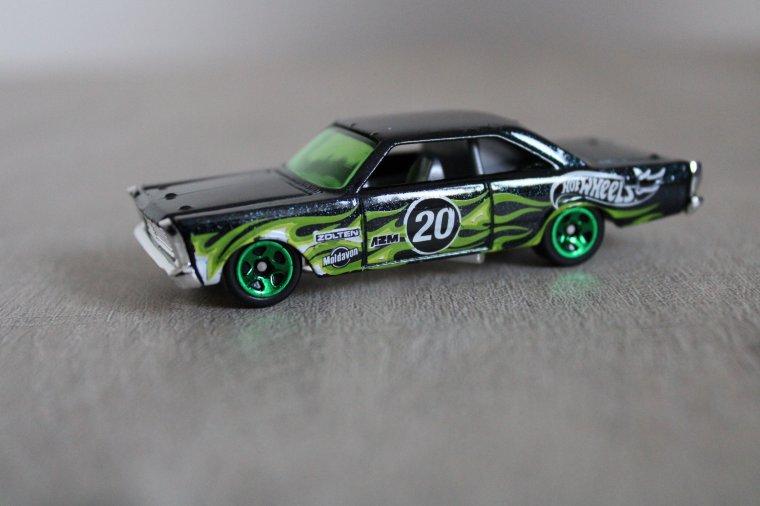 hot wheels ford galaxie 1965