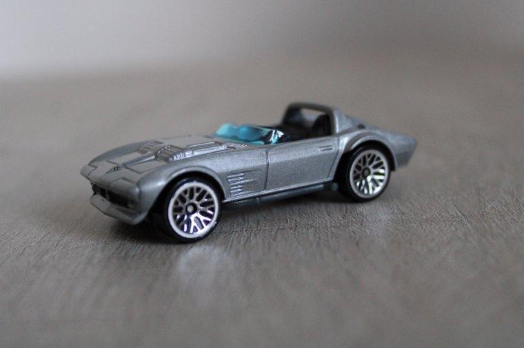 hot wheels chevrolet corvette