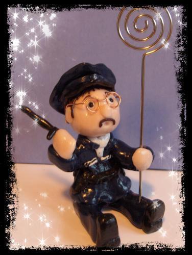 Policier en pâte fimo
