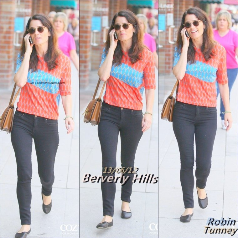 News de Robin Tunney vue a Beverly Hills 13/06/12. Voici les photos