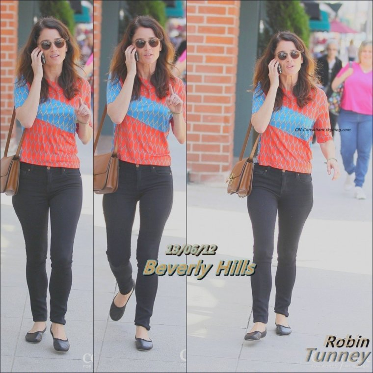 News de Robin Tunney vue a Beverly Hills 13/06/12. Voici les photos