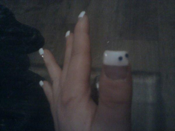 mes ongles en gel fait par une amie
