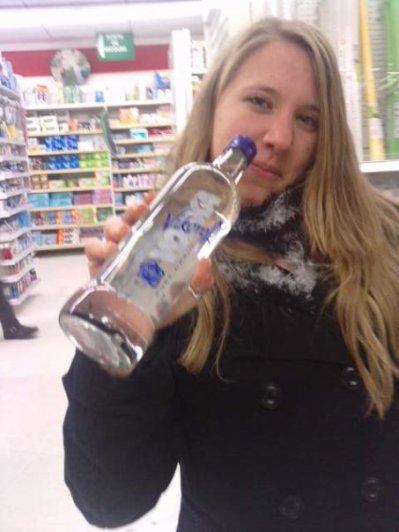 Voila on me prend toujours la bouteille a la main