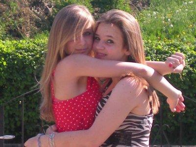 Je le dis OH et FORT, c'est elle ma meilleure amie, c'est elle que j'aime plus que tout.