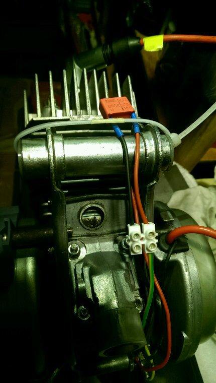 Moteur avec variateur pour la bleue